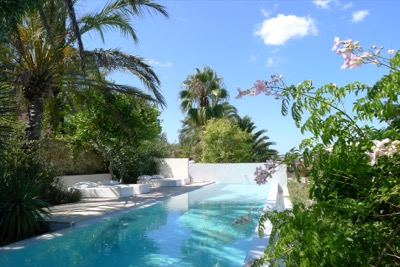 Hotel Los Jardines De Palerm : Panoramic view of the garden